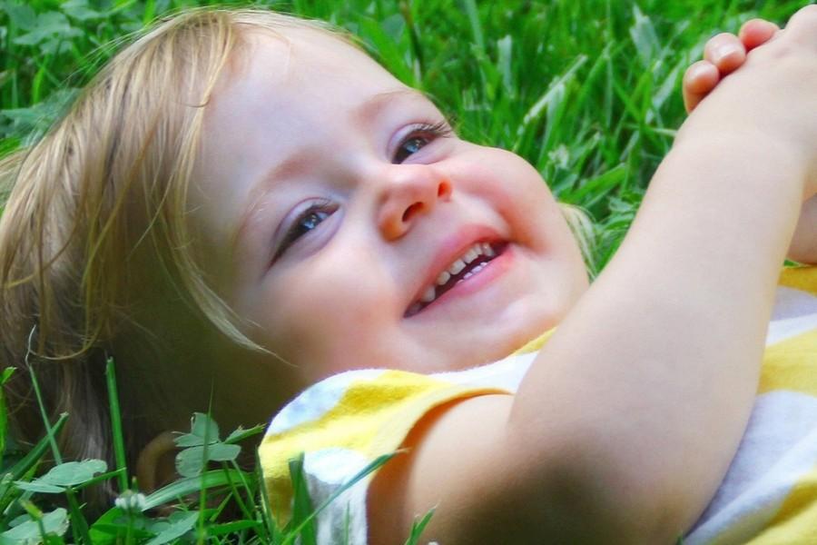 child_grass900